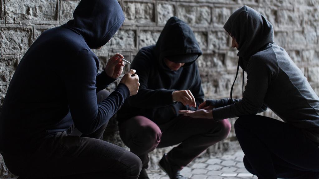 פרשת הסמים בקרב בני נוער - החקירה בעיצומה