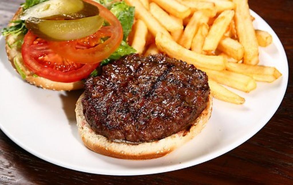 המבורגר אילוסטרציה. צילום: shutterstock