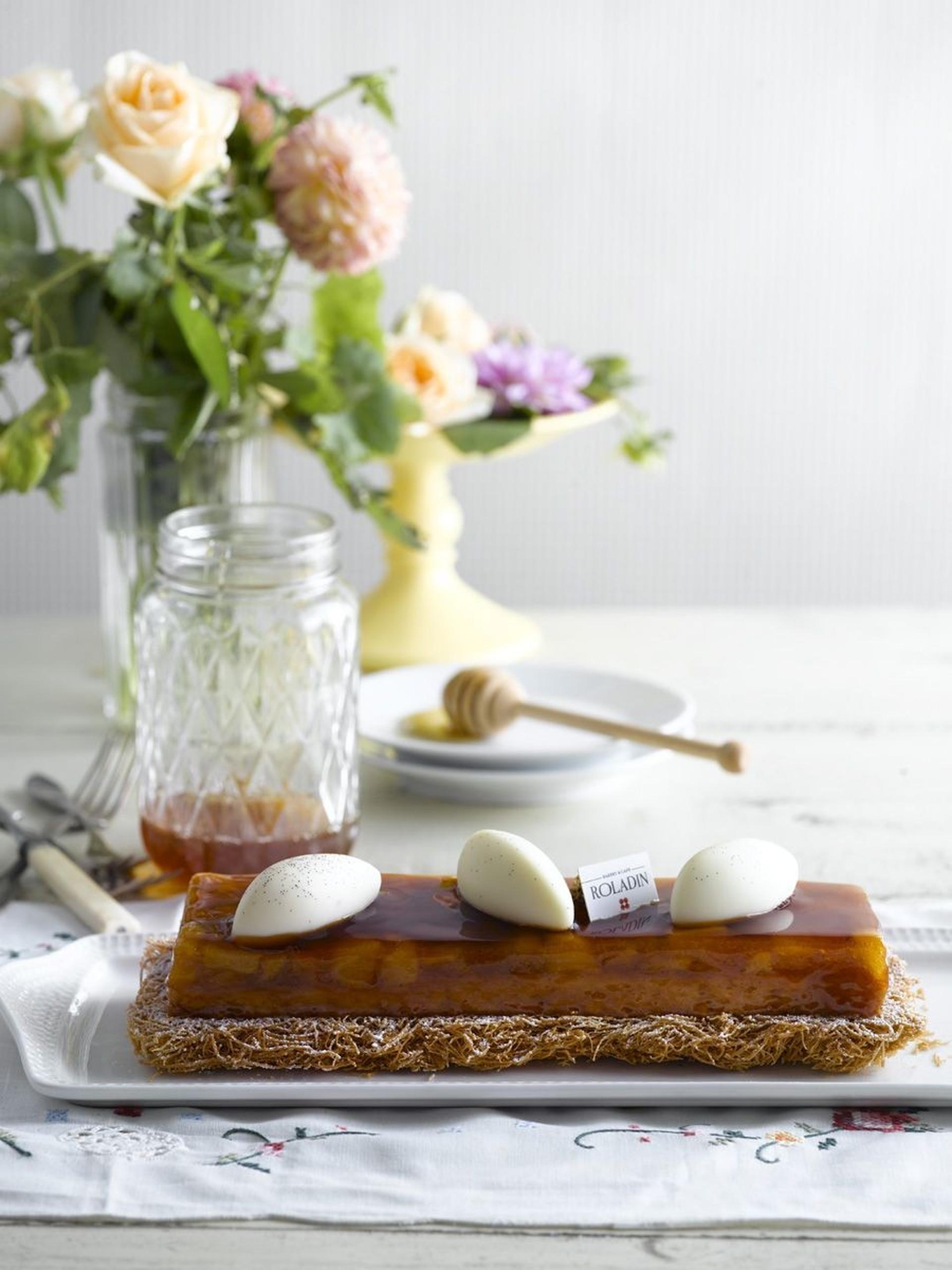 עוגת קדאיף תפוחים בדבש של רולדין. צילום: רונן מנגן