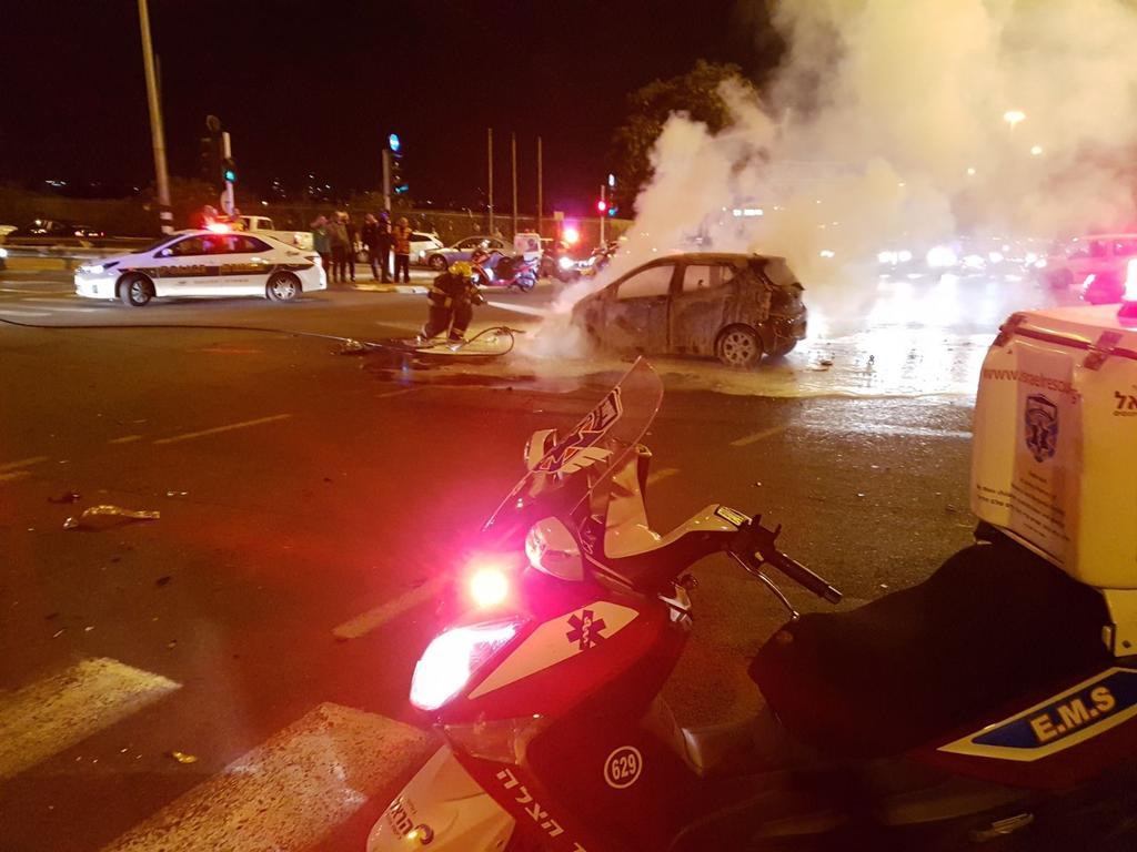 זירת התאונה בצומת חולון - צילום: דוברות איחוד הצלה