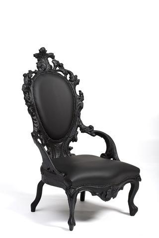 כיסא, עשן, 2004, מרטן באס, אוסף מוזיאון חרונינגר, חרונינגן, הולנד. צילום: מרטן דה ליאו