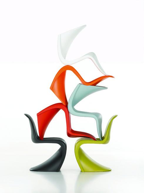 כיסא שעיצב ורנר פנטון ב 1960 והיה הראשון שהוזרק בפלסטיק בשלמותו בתבנית אחת. הביטאט