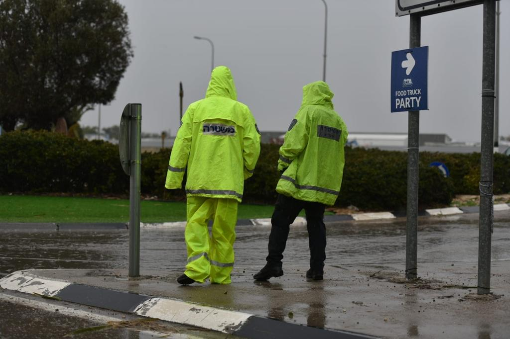 מזג אוויר סוער | צילום: דוברות המשטרה
